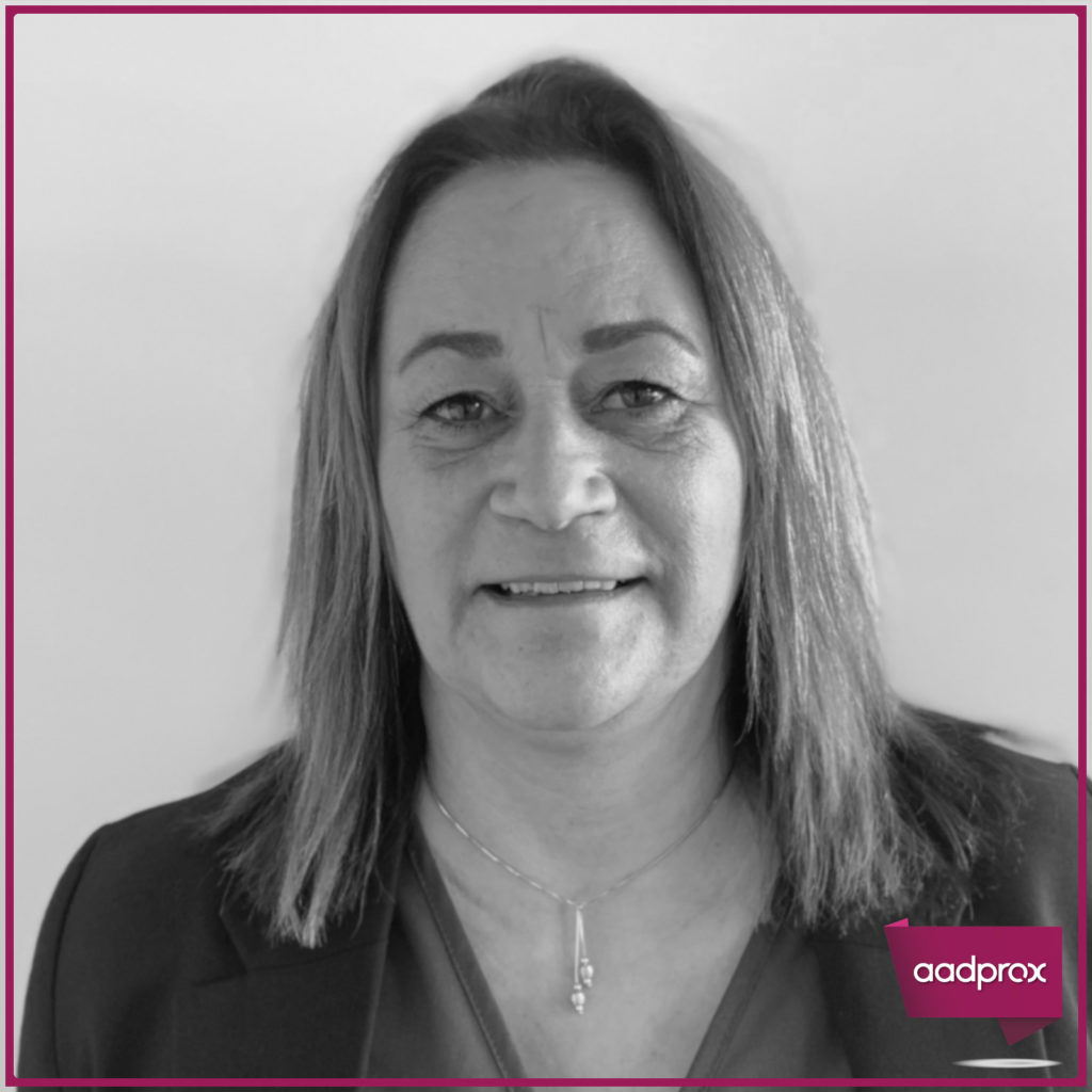 Catherine-Azzopardi-Secretaire-Indépendante-à-Six-four-les-plages